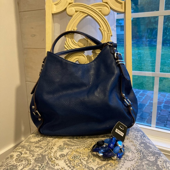 Large charming Charlie purse in new shape